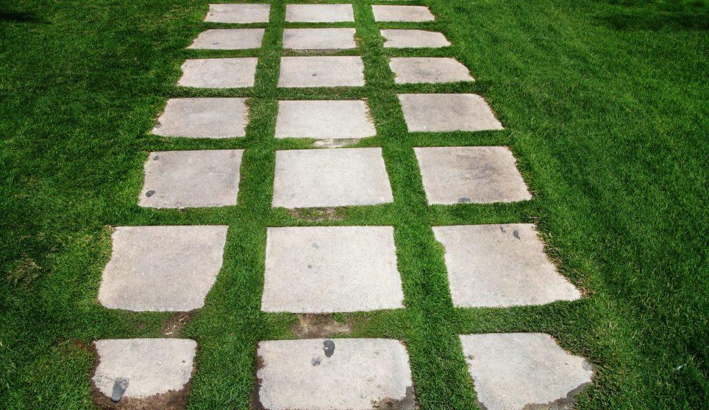Betonowe płyty ażurowe do ogrodu