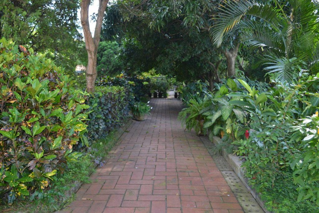 Czym są ogrodzenia systemowe i w jakich okolicznościach warto je wybierać?